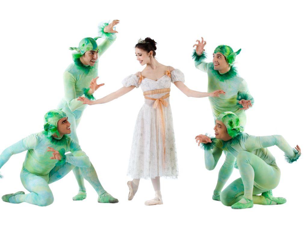 Saniya-Abilmajineva-company-dancers-Photo-by-Kamal-Daid